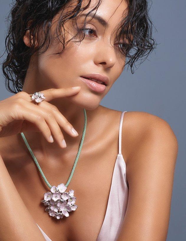 Flower Trend in Full Bloom! Shop floral jewellery trends on JewelStreet
