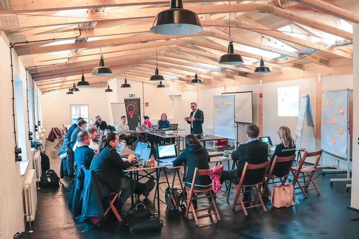 Sales Inspiration by Harald Klein: Unsere Kunden finden am meisten Mehrwert in Seminaren zu den Themen Pflege von Bestandskunden, Effizienz im Vertrieb, Preiserhöhungen durchsetzen, strategischer Vertrieb, Führen von Vertriebsteams, digitale Tools im Vertrieb