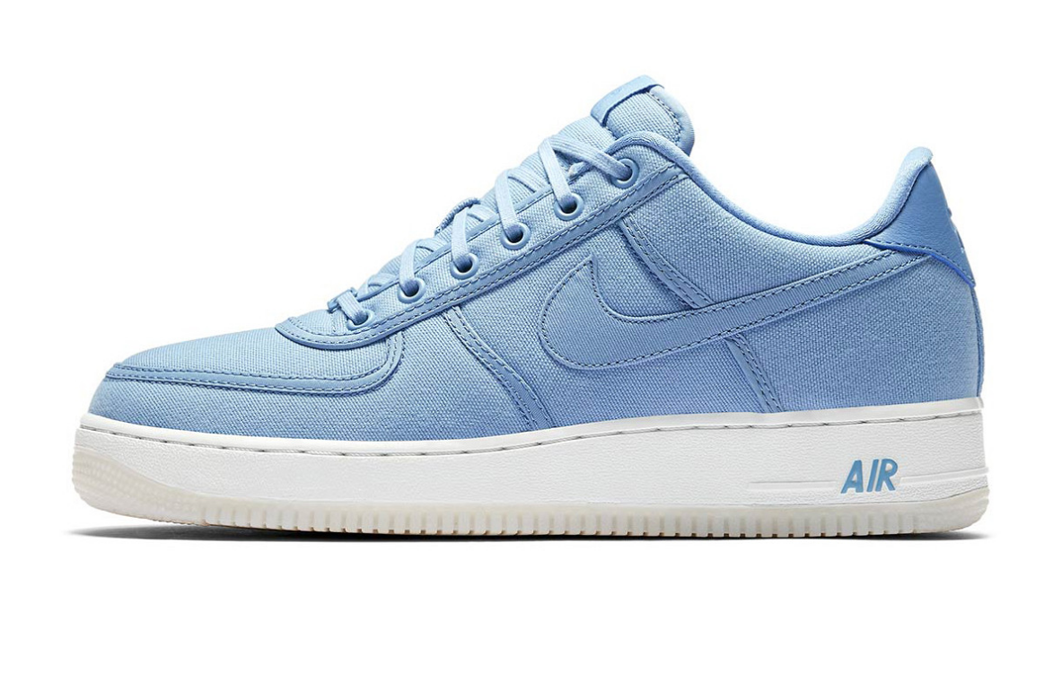 NIKE AIR FORCE 1 LOW RETRO QS december sky side view