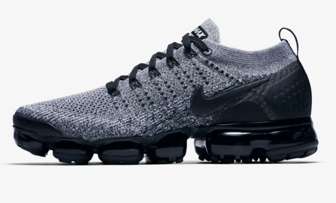 SIDE VIEW OF BLACK WHITE NIKE AIR VAPORMAX FLYKNIT 2
