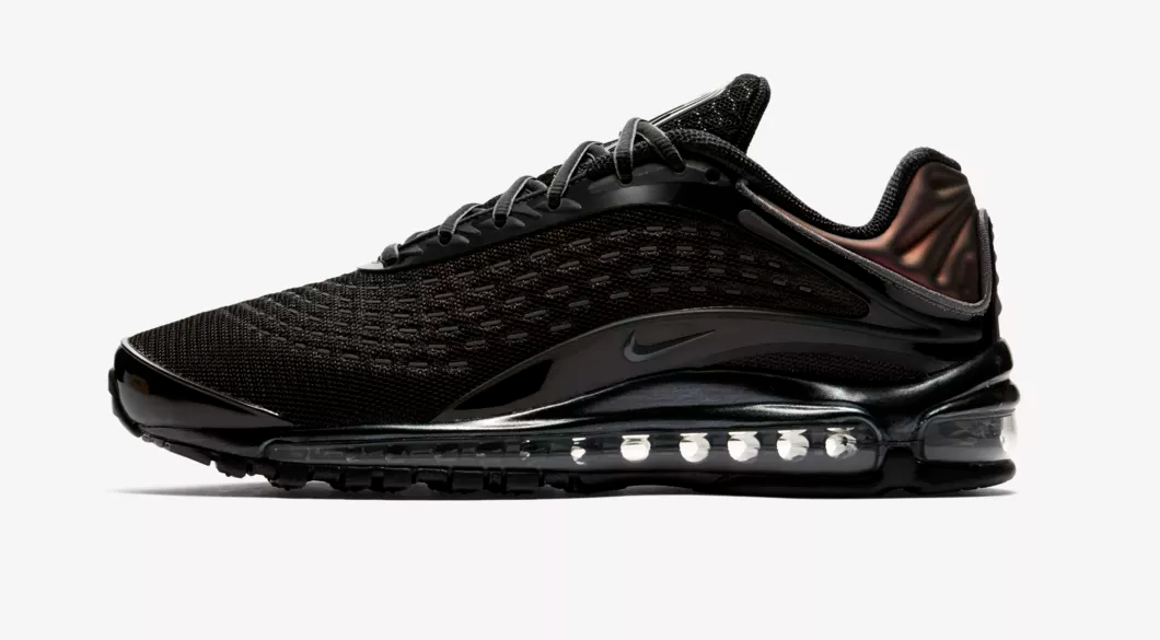 SIDE VIEW NIKE AIR MAX DELUXE 'TRIPLE BLACK'