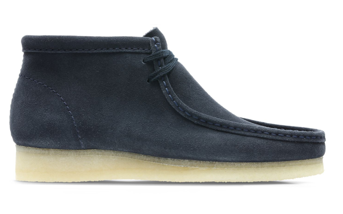 side view clarks wallabee dark blue suede