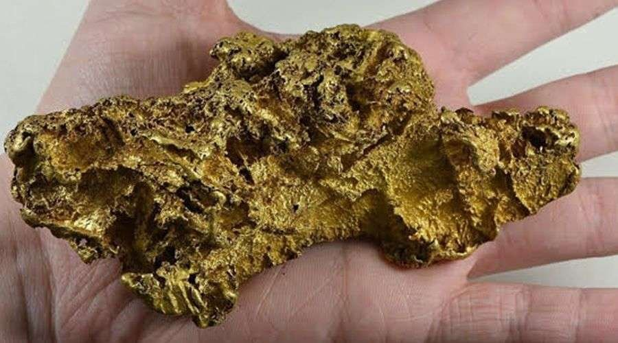 gold nugget size of hand