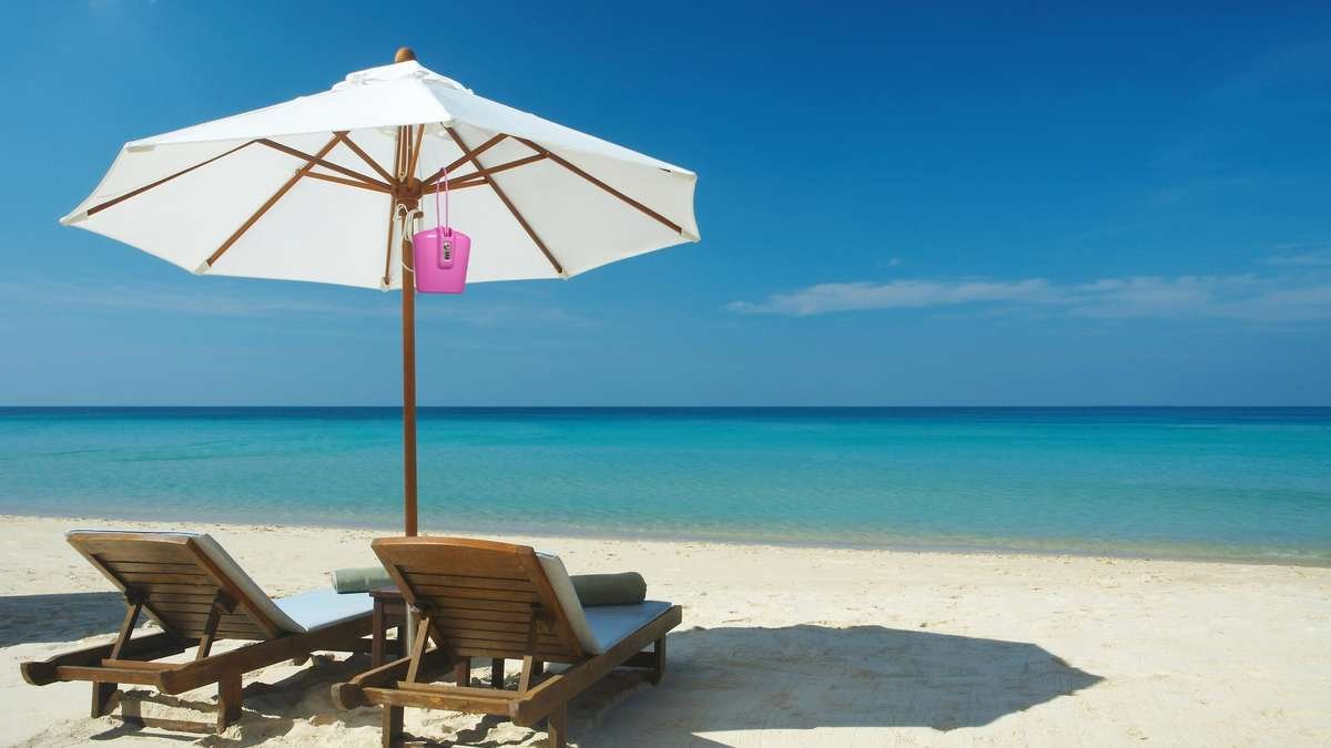 beach safe lounge chair umbrella