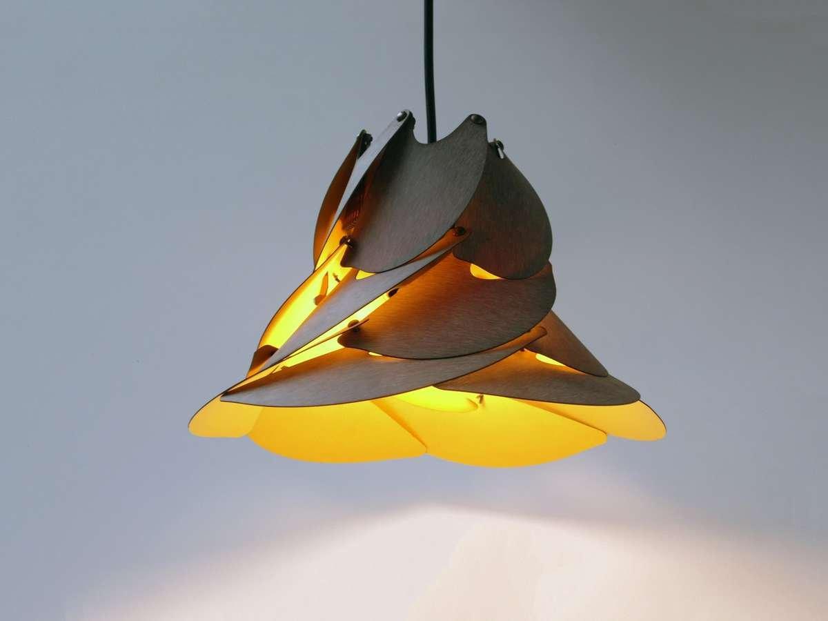 Bloom-Lamp-Flora-Acesa-Amarelo-Girassol