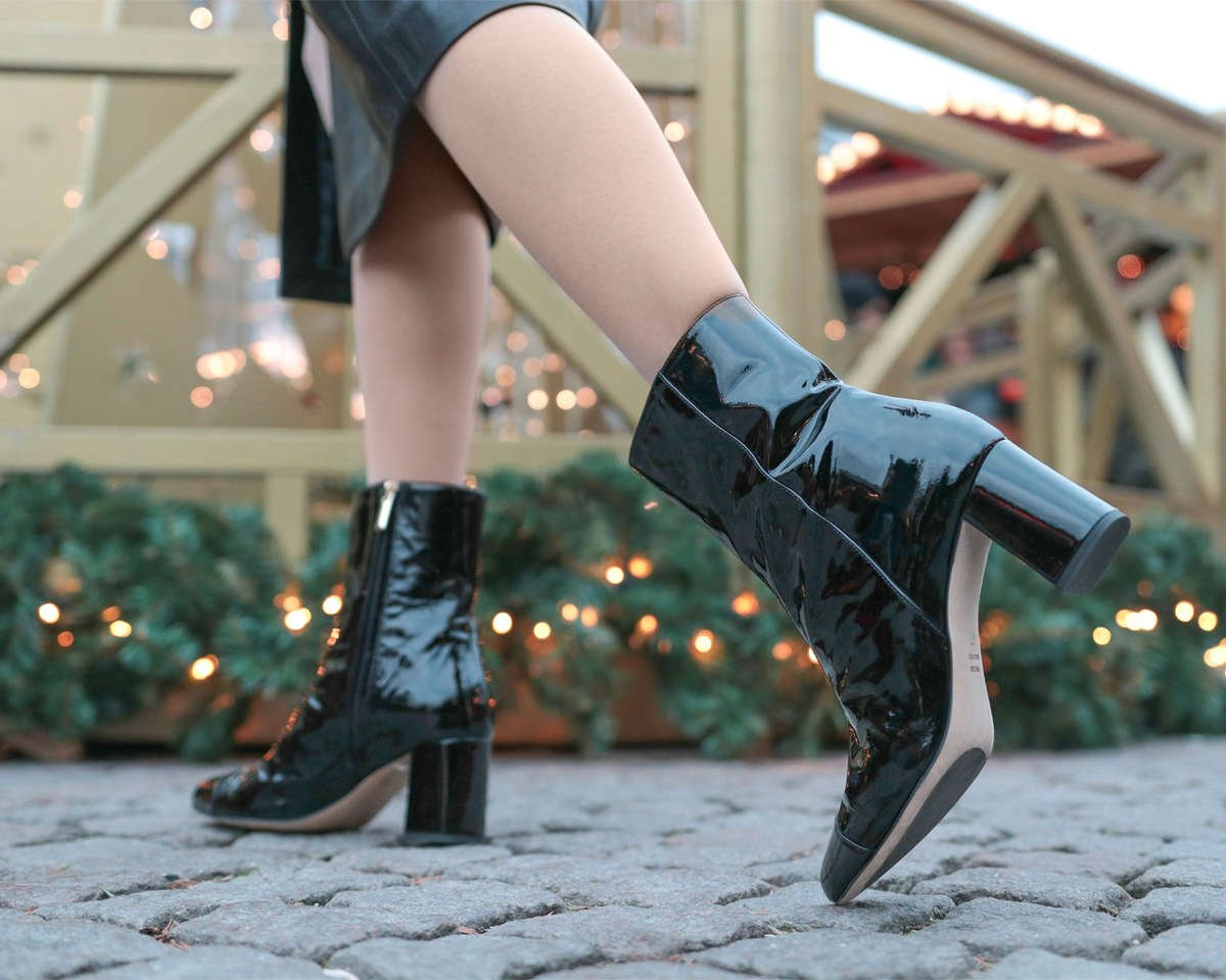 audrey-patent-leather-block-heel-boot-roccamore