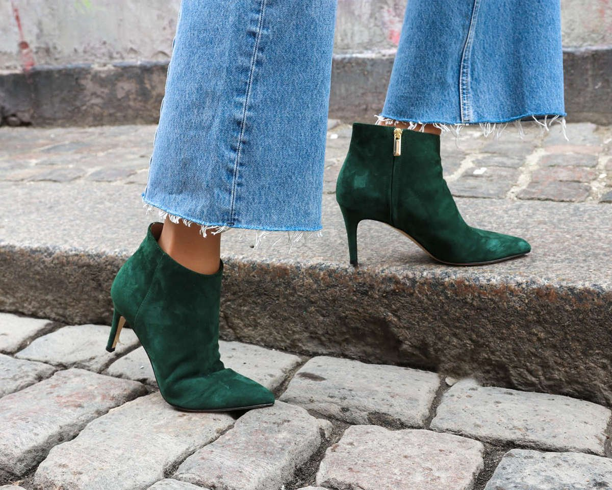 charlie-green-suede-pointy-boot-roccamore