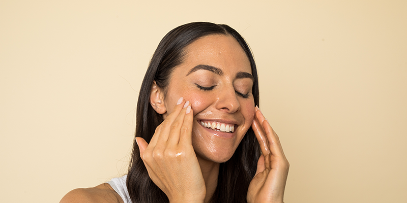 Is vitamin c serum good for oily acne-prone skin?