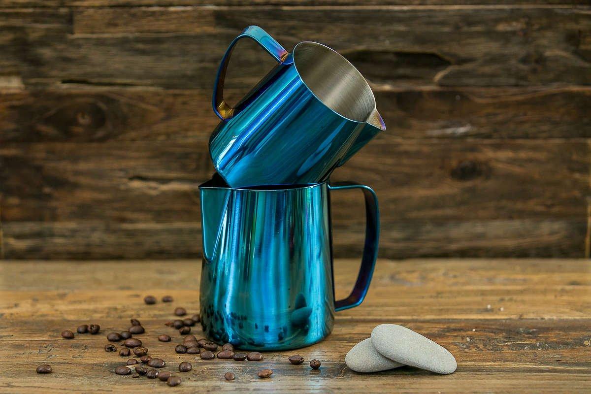 Best pitcher for latte art - Black Polished | Baristaswag.com