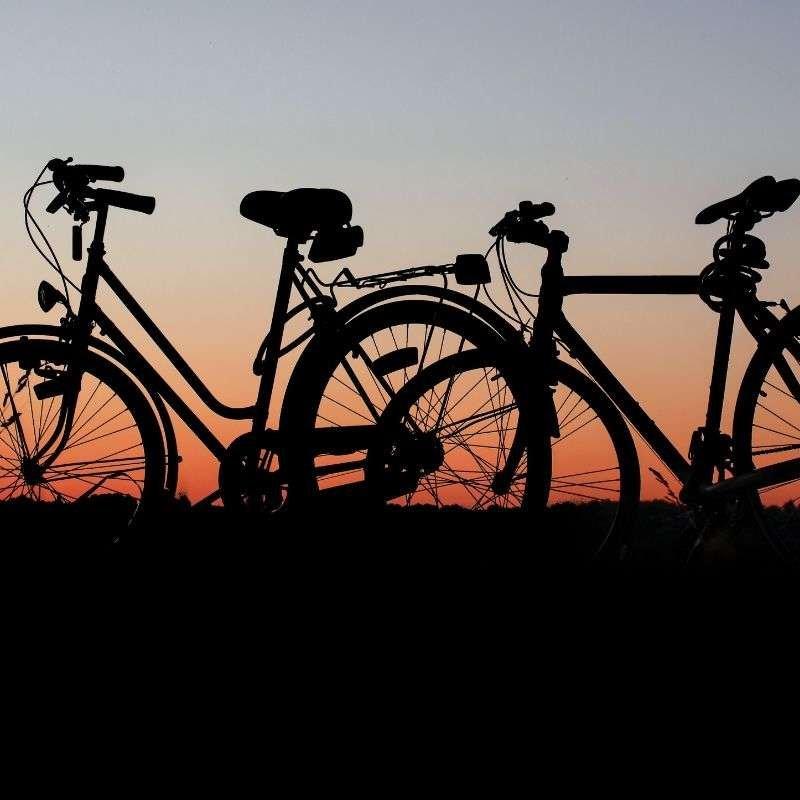Ein Fahrrad Wetterschutz, also eine Abdeckung zum schtz vor Wetter und Regen hilft auch im Urlaub sehr viel.