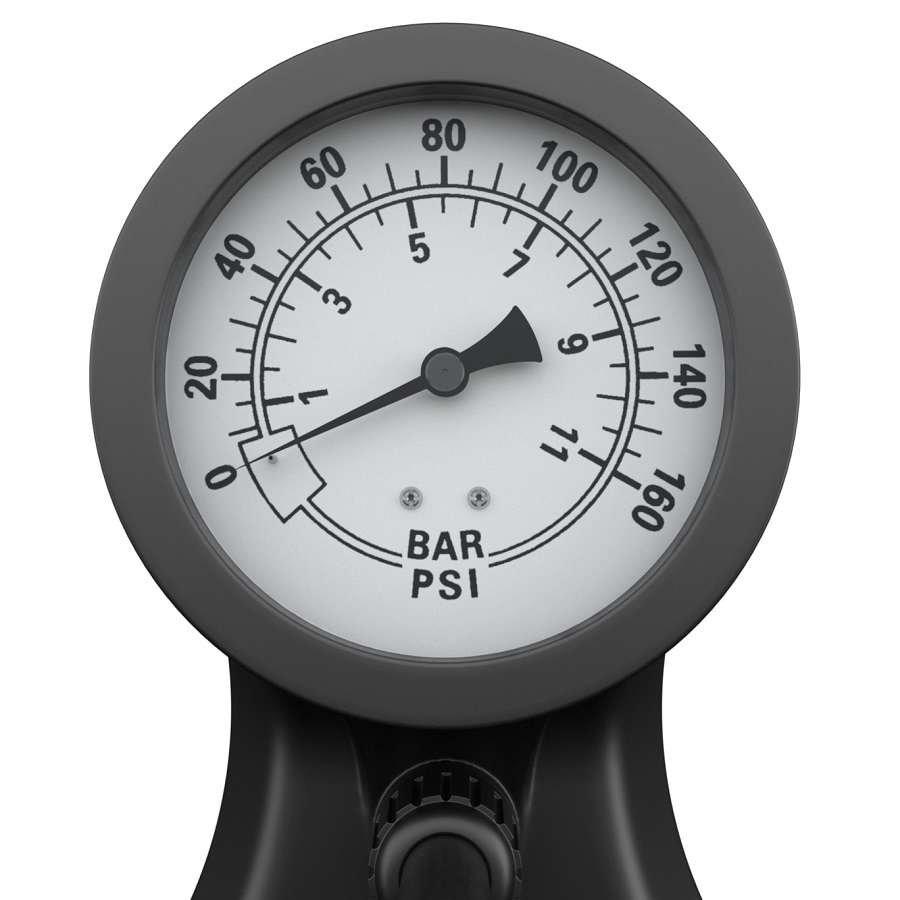 Großer, einfach  ablesbarer Manometer. Auch das ist bei der Radpumpe von HiLo sports inkludiert.