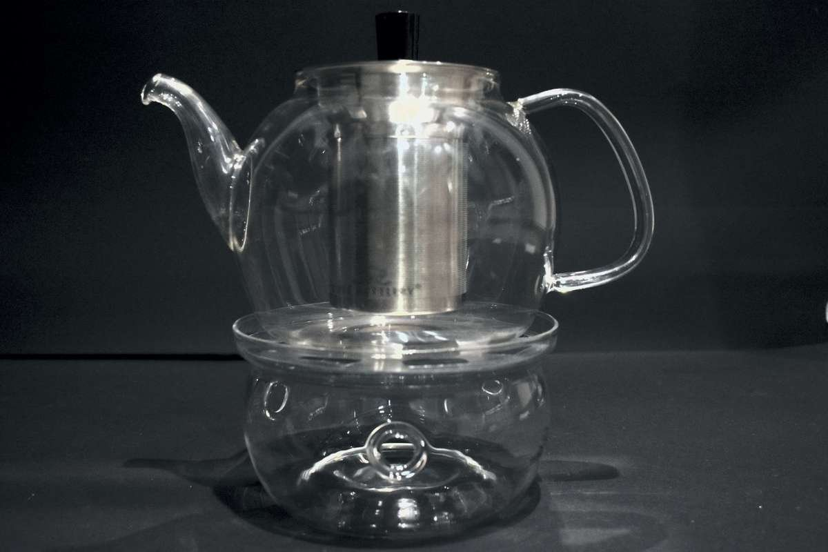 Illusion Teapot with Glass tea infuser