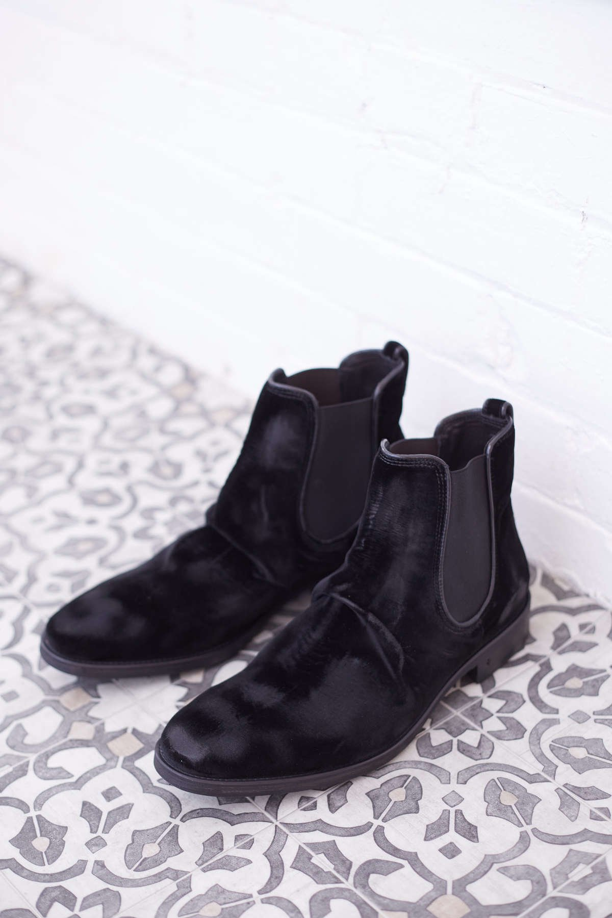 John Varvatos Collection Fleetwood Sharpei Chelsea - Lalonde's Boutique