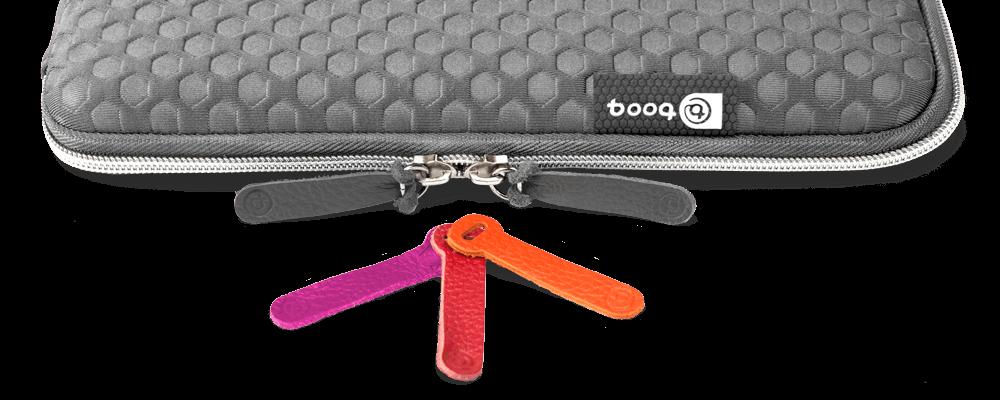 MacBook Pro Touch Bar Hülle Taipan Spacesuit von booq