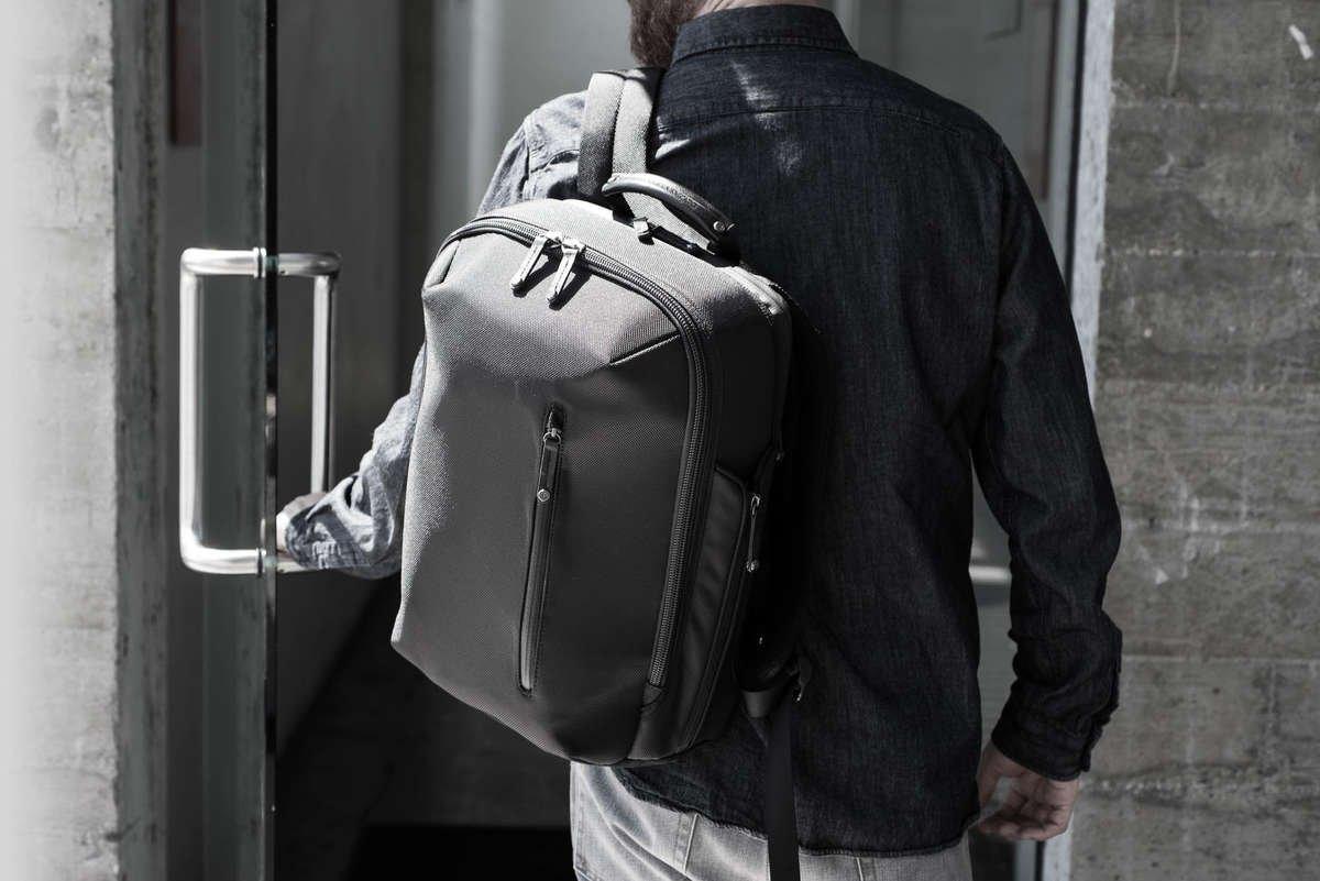 MacBook Rucksack Pack Pro mit Handyfach