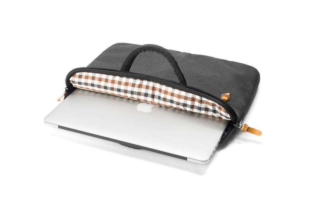 MacBook Pro Touch Bar Hülle Superslim von booq