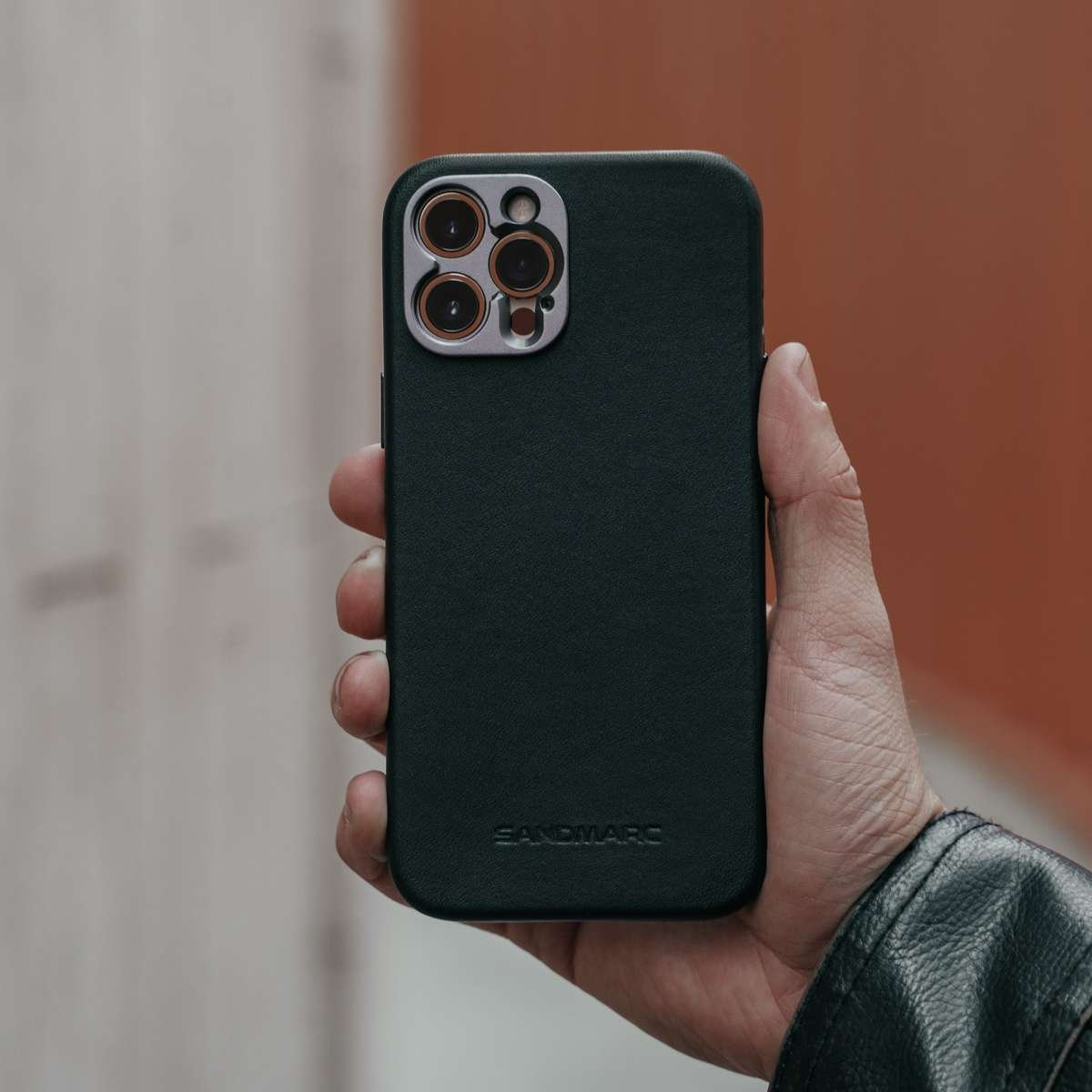 magnet enabled iphone 12 pro case