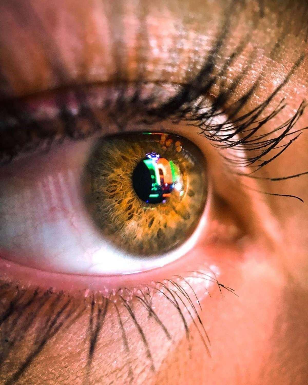 up close image of a hazel eye