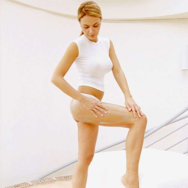 guam seaweed body wrapping applying at home anti-cellulite treatment