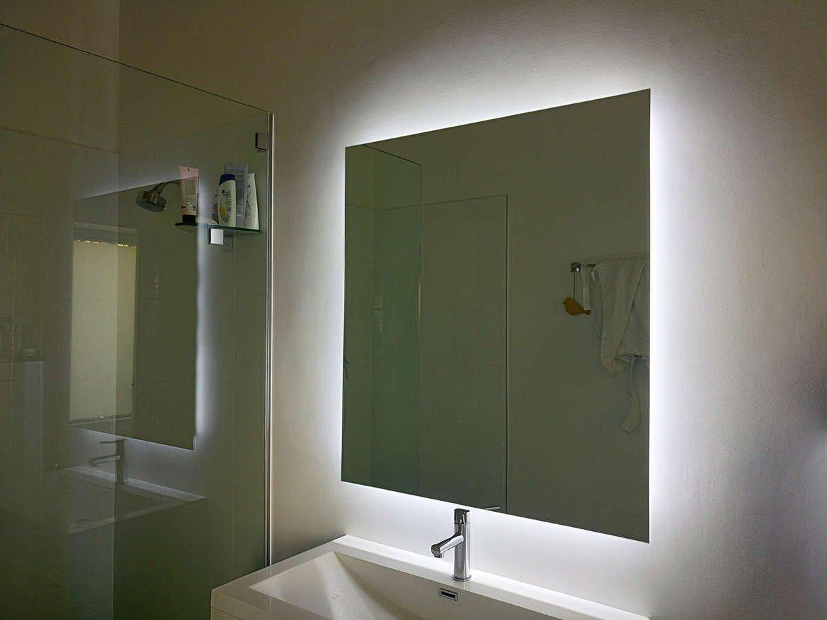 modern vanity lighting. Black Bedroom Furniture Sets. Home Design Ideas