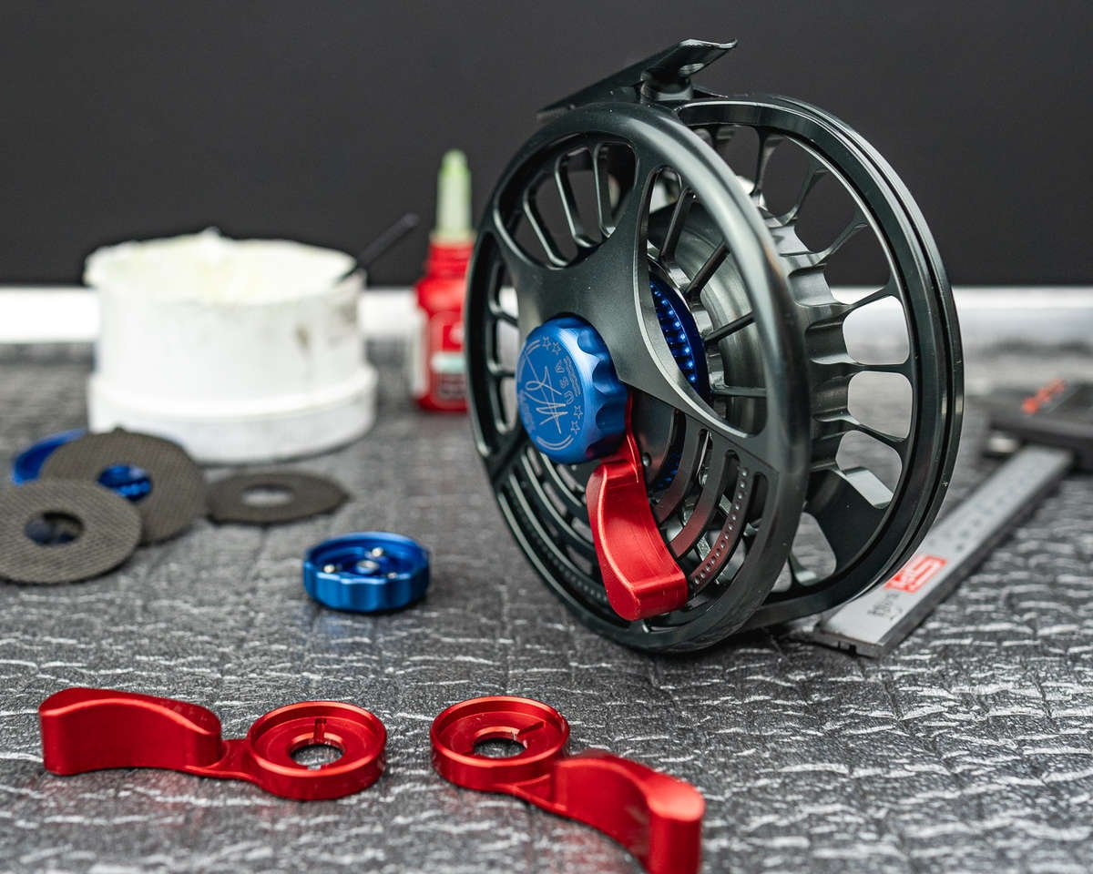 Big Fly Reel with extra parts.