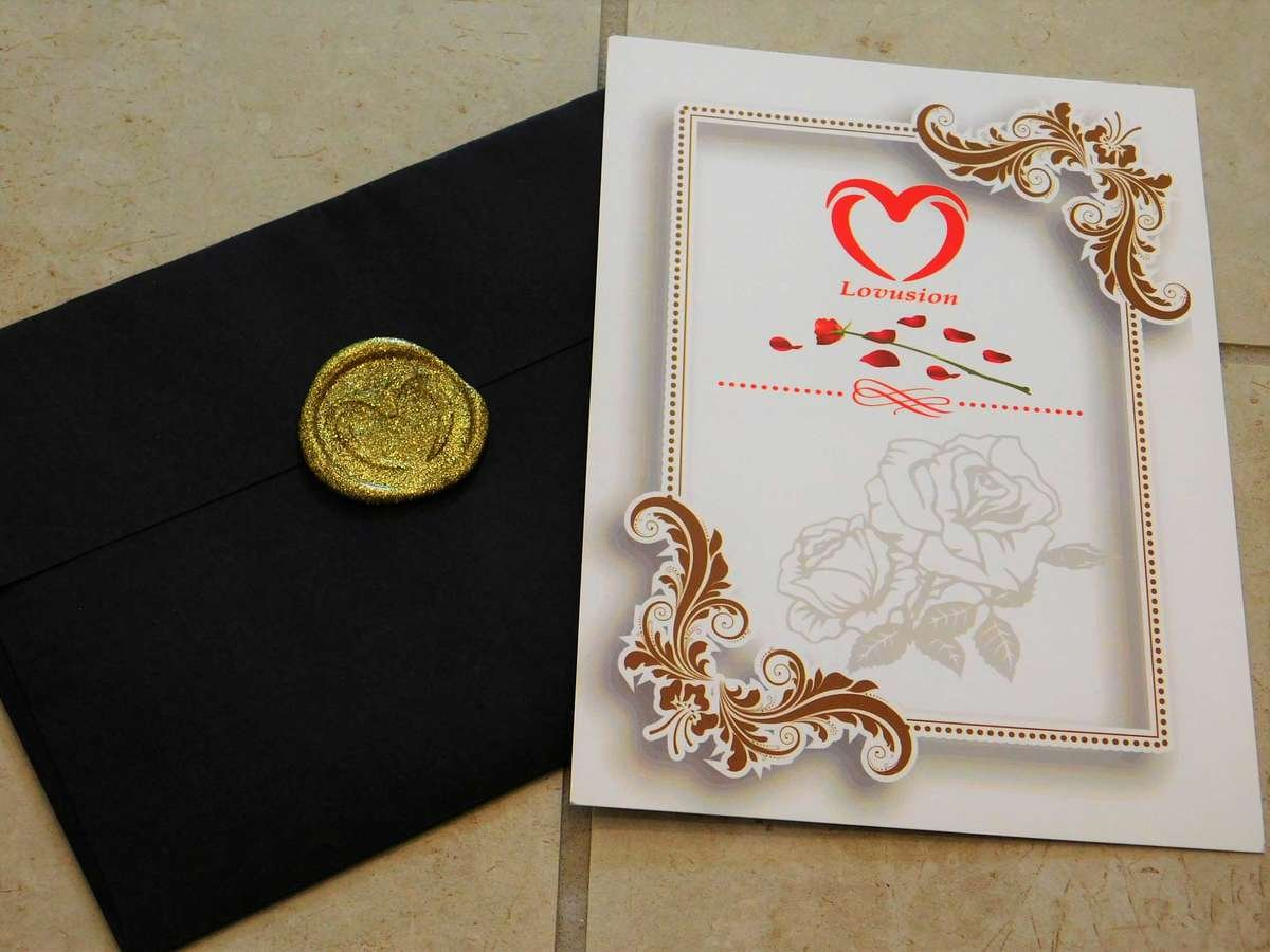 Tell her she's special with our wax sealed note