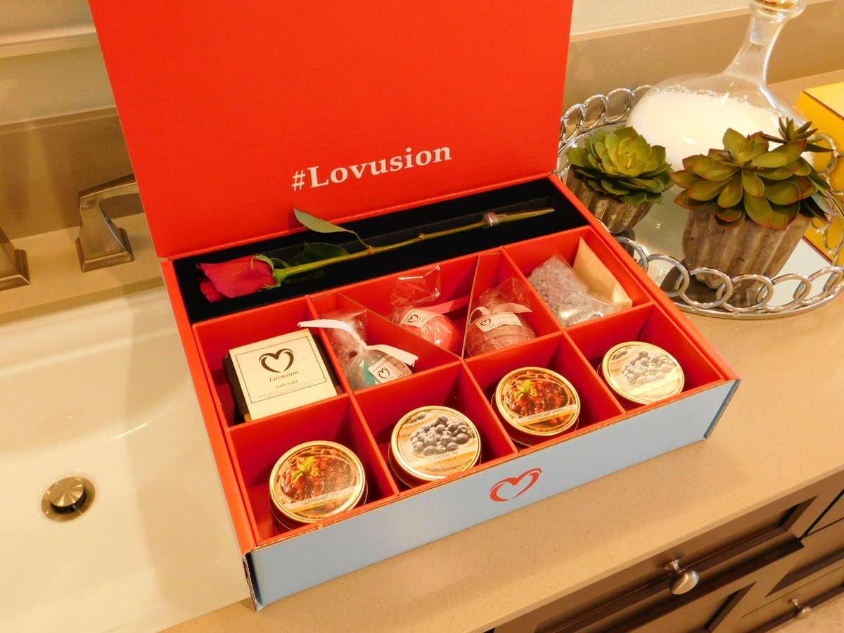 Lovusion blue box, roses, bath bombs, candles, romantic gift