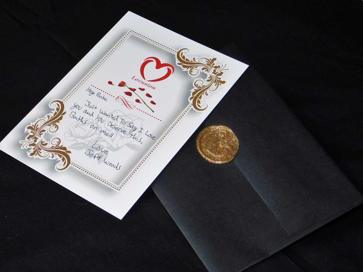 Lovusion custom note card that's wax sealed