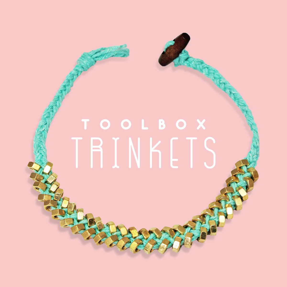 Toolbox Trinkets Sarah-Lily Necklace in sky blue