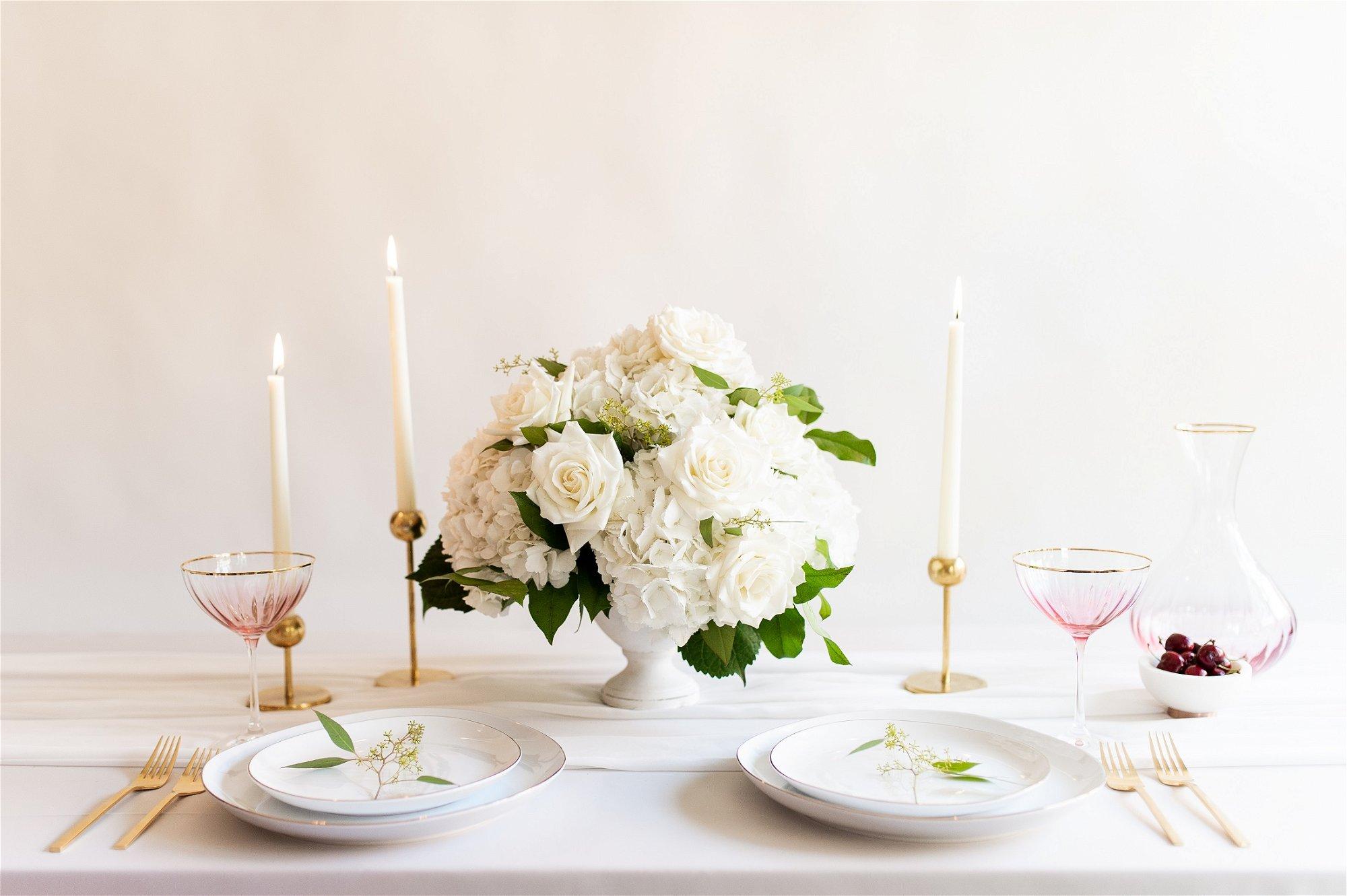 hydrangea centerpiece, Flower Moxie, DIY Wedding Flowers, How to make a centerpiece, hydrangea and rose centerpiece