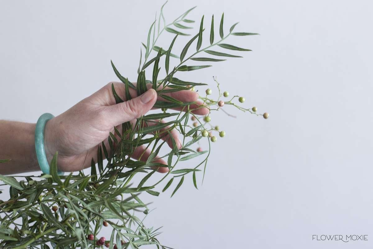 pepperberry, hanging pepperberry, pepperberry bouquet, pepperberry centerpiece, flower moxie, flowermoxie, diy wedding flowers, fifty flowers, bloominous