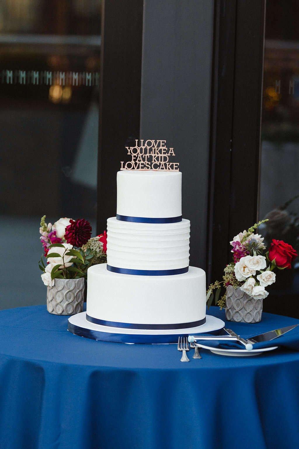You can DIY your own wedding flowers! diy bride, flower moxie, diy flowers, budget bride, diy wedding, cream spray roses, pink snapdragons, roses, ranunculus