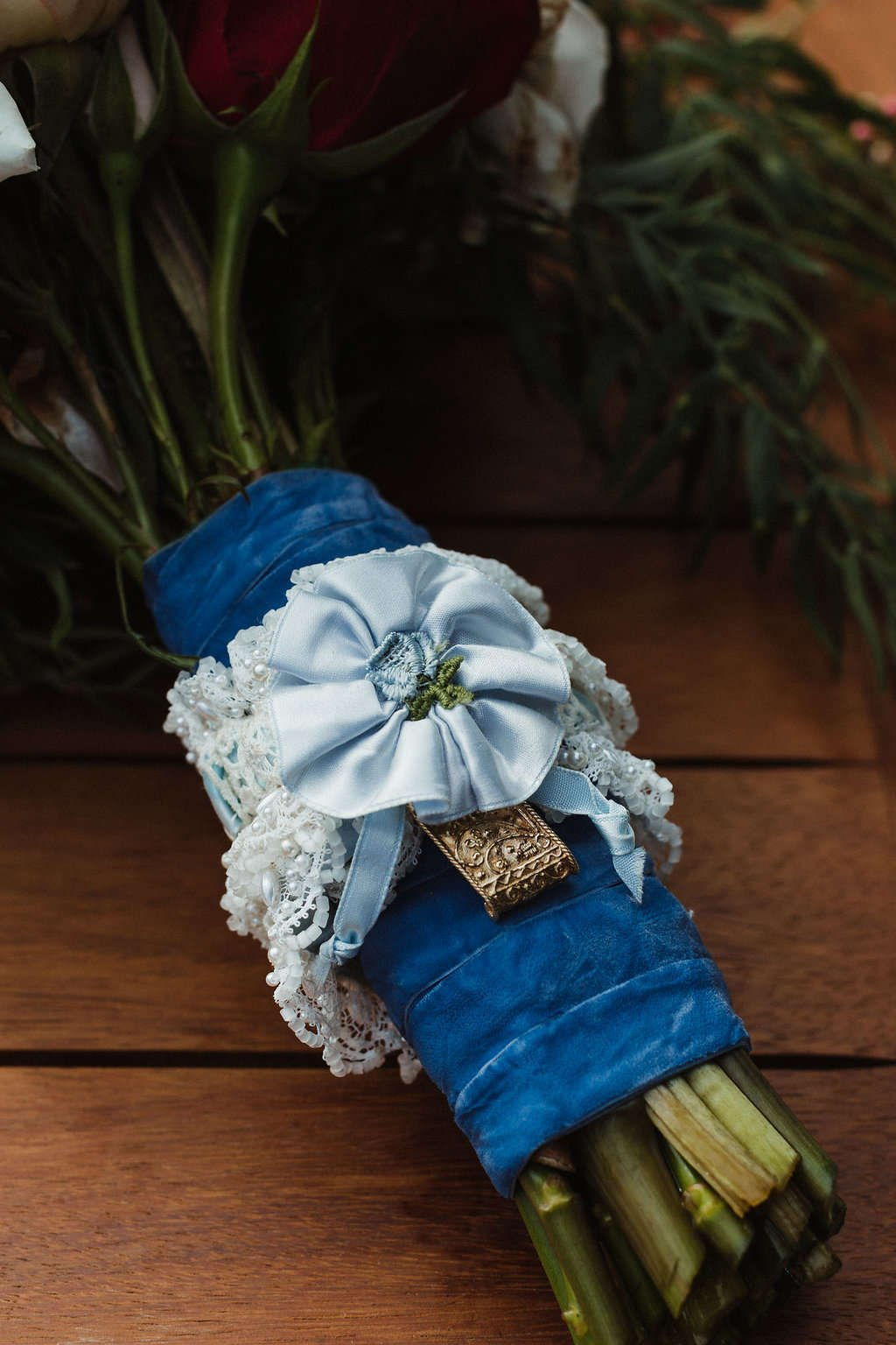 You can DIY your own wedding flowers! diy bride, flower moxie, diy flowers, budget bride, diy wedding