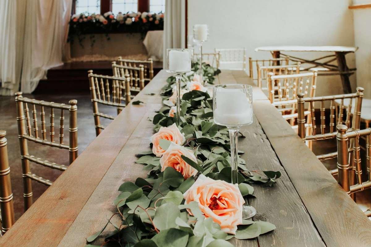 tiffany rose, tiffany peach rose, silver dollar eucalyptus garland, roses in garland, peach roses, in garland, flower moxie, garland and candles