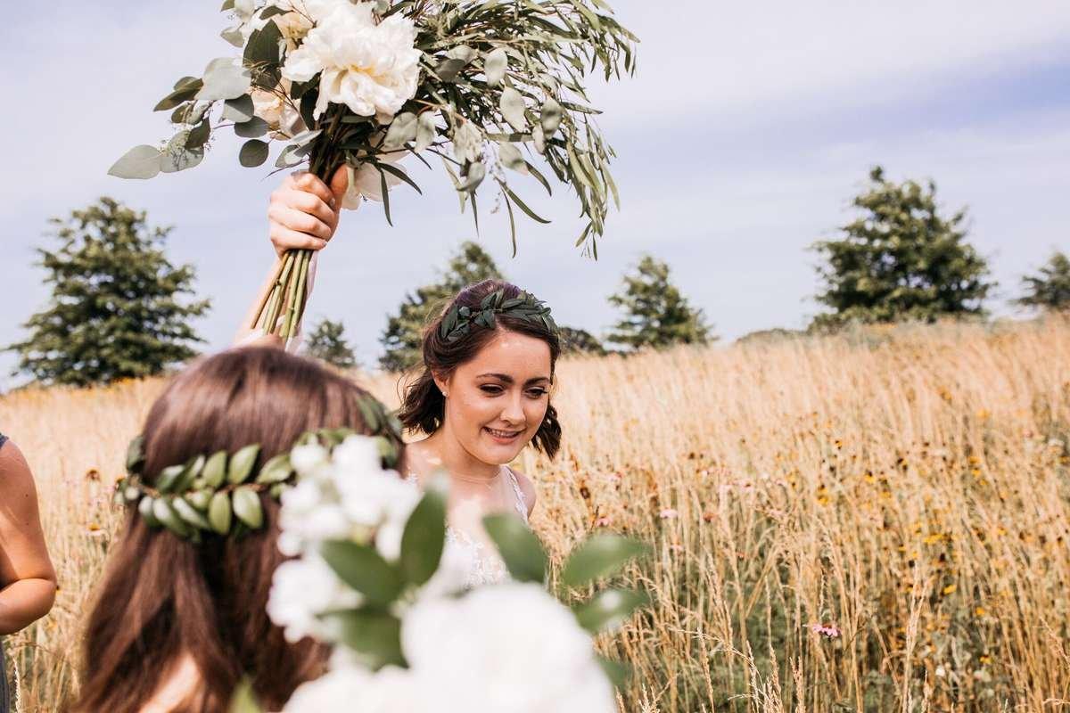 flower moxie, diy bride, diy flowers, diy wedding, ways to save money wedding, cheap flowers, affordable wedding flowers