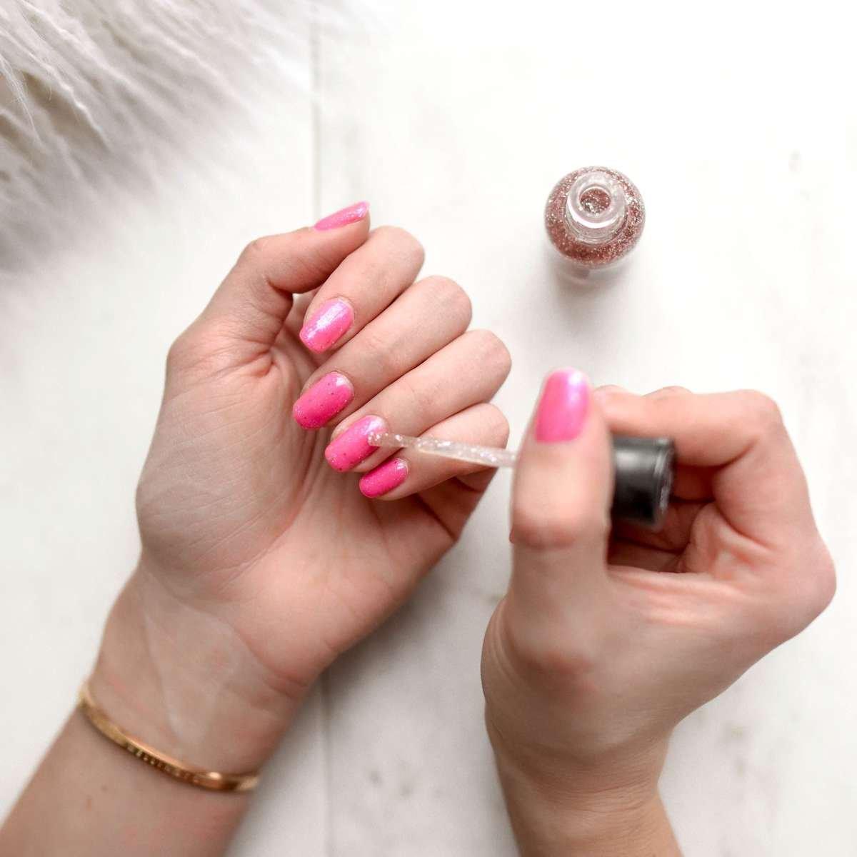 Spring Jasmine Fragrance Scent Persona nails.