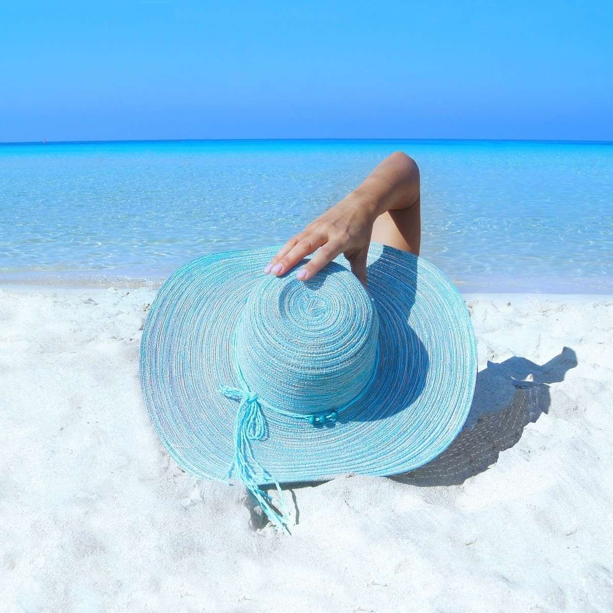 Driftwood fragrance scent persona beach hat.