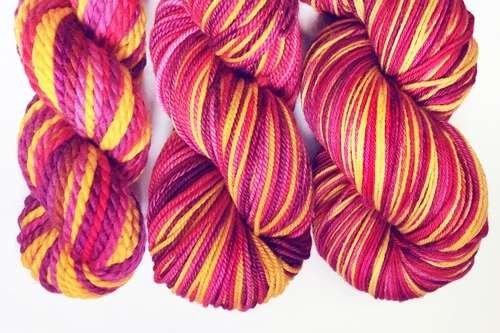 laine teinte à la main par type