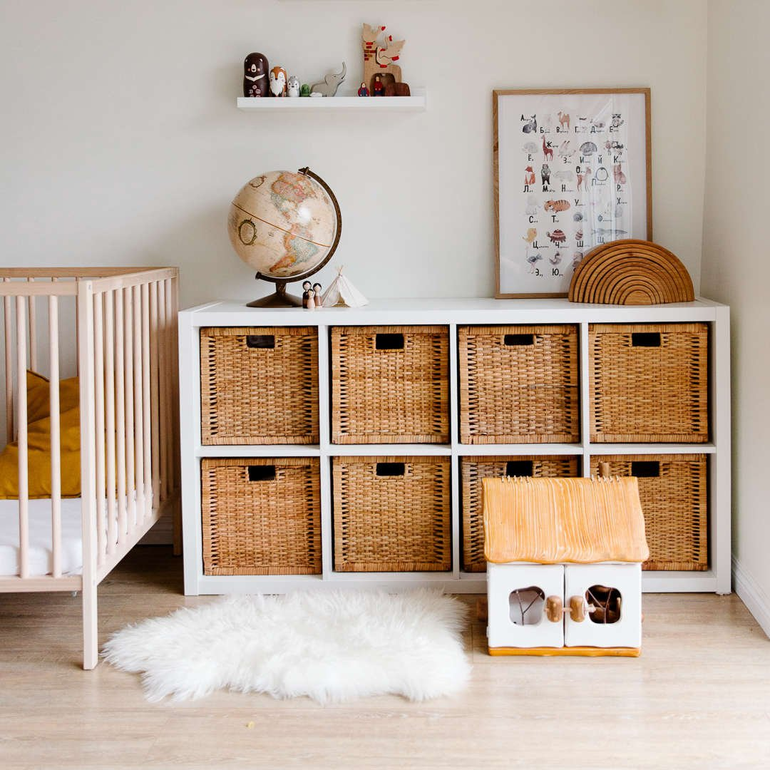 Nursery decor ideas. Tips and ideas for nursery for girl and nursery for boy rooms. Storage solution for nursery room and kids bedroom.