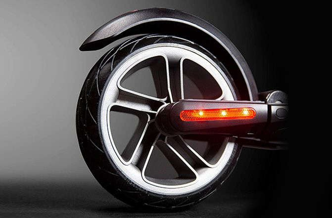 Segway ninebot ES2 electric scooter rear tire wheel solid tires brake lights