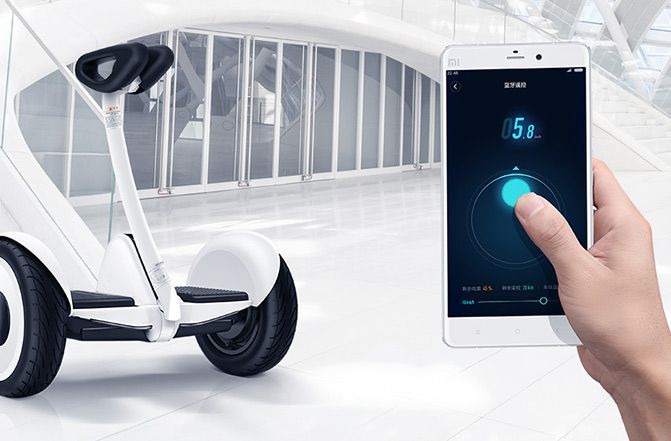 Segway Ninebot S self balancing electric vehicle connects to phone app application