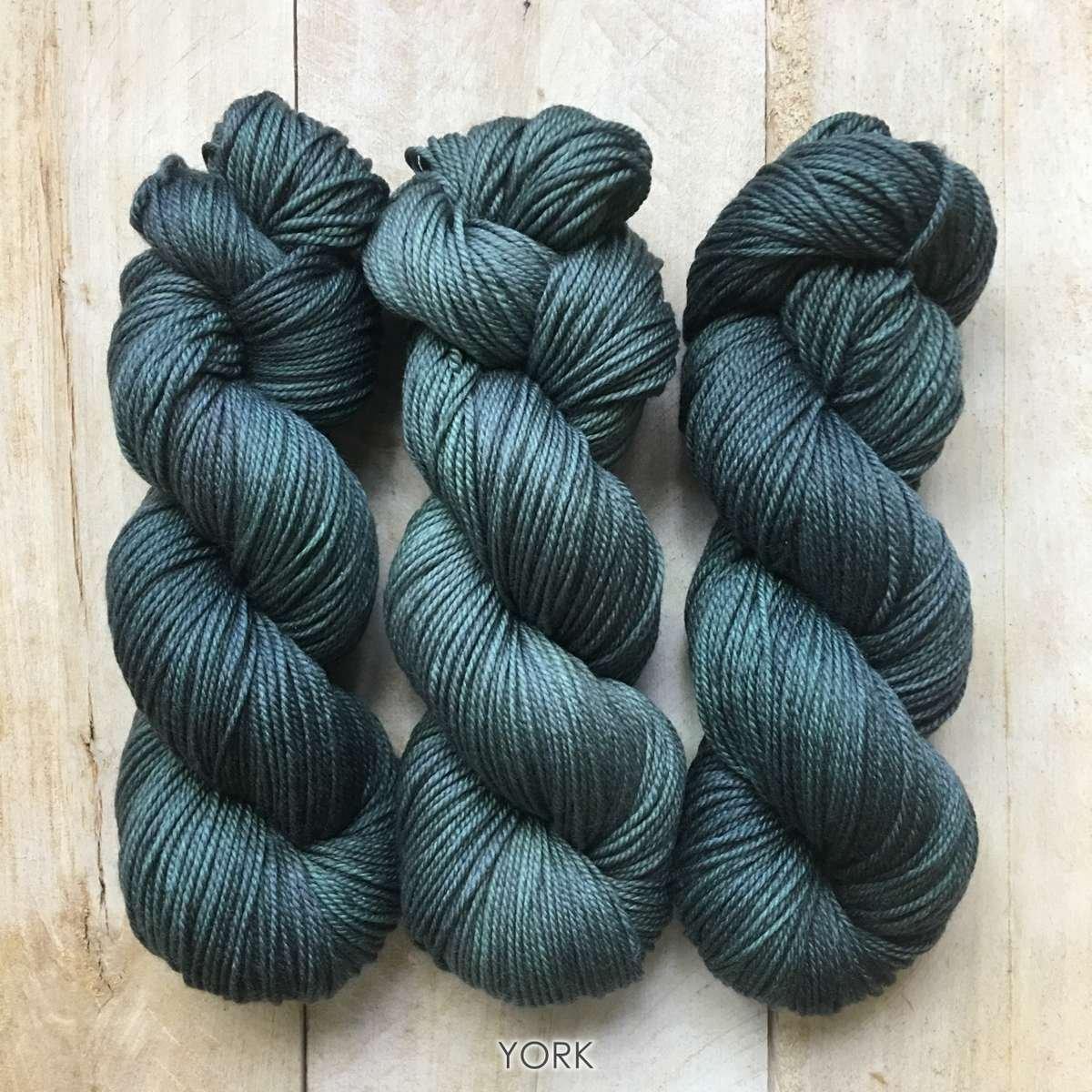Hand-dyed yarn Louise Robert York
