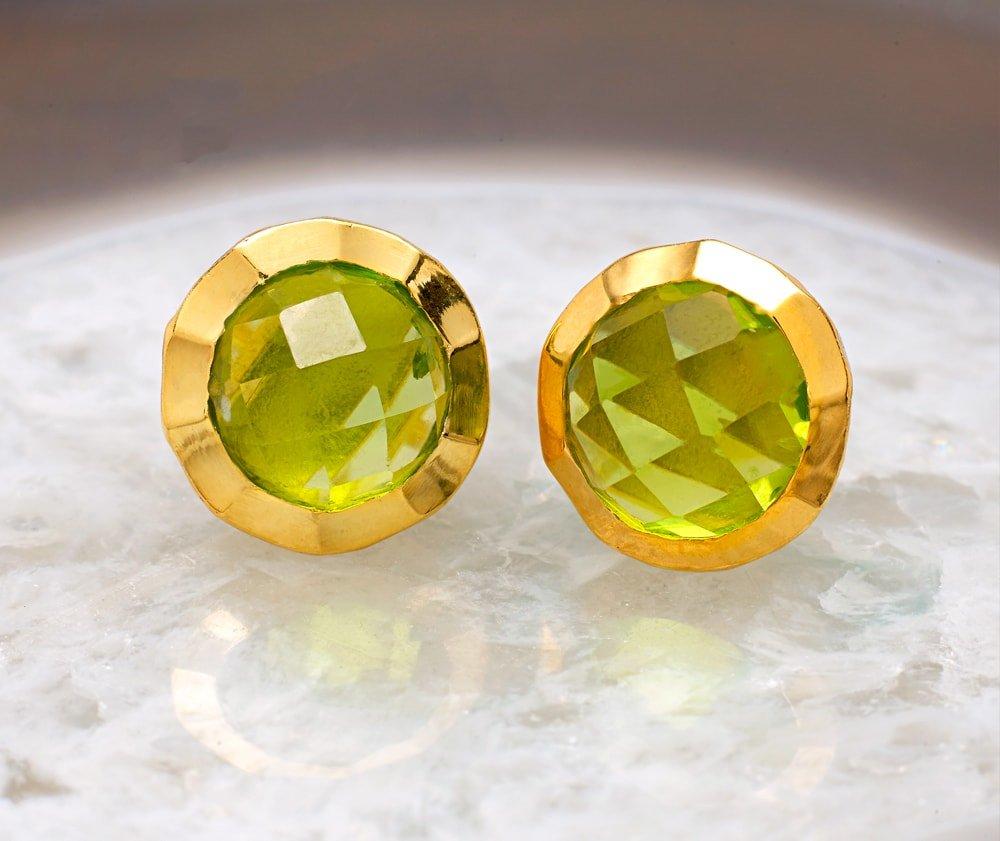 Boho Hammered Peridot Gold Earrings