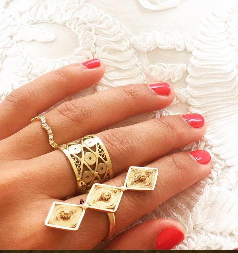 Alma Ring, Vanilo