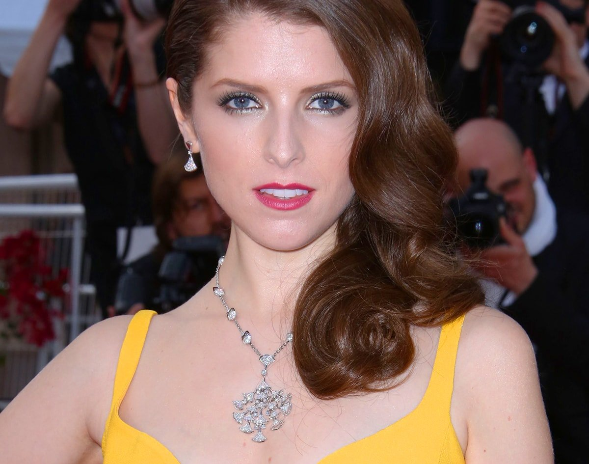 Anna Kendrick wearing art deco jewellery