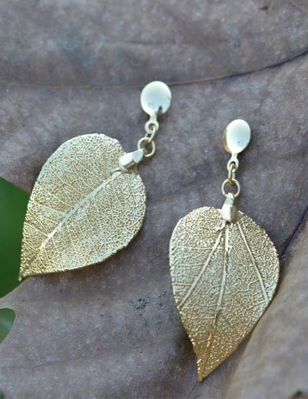 18kt Gold Quina Leaf Earrings, Amazona Secrets