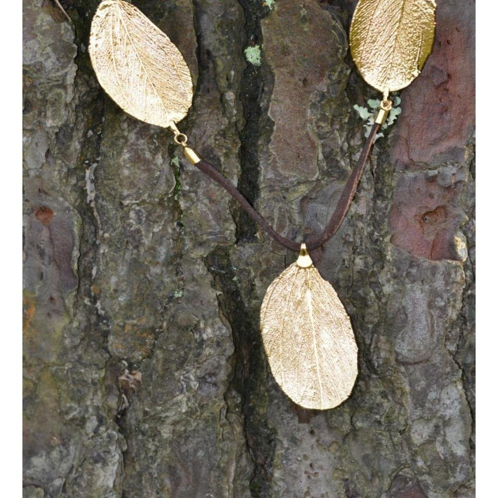 Leather Necklace With 18kt Gold Cabo Verde Leaf