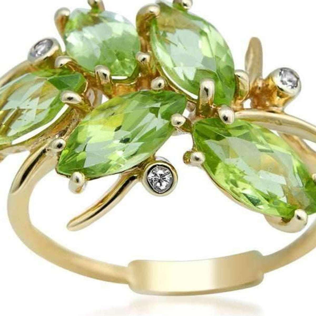 August birthstone - peridot ring