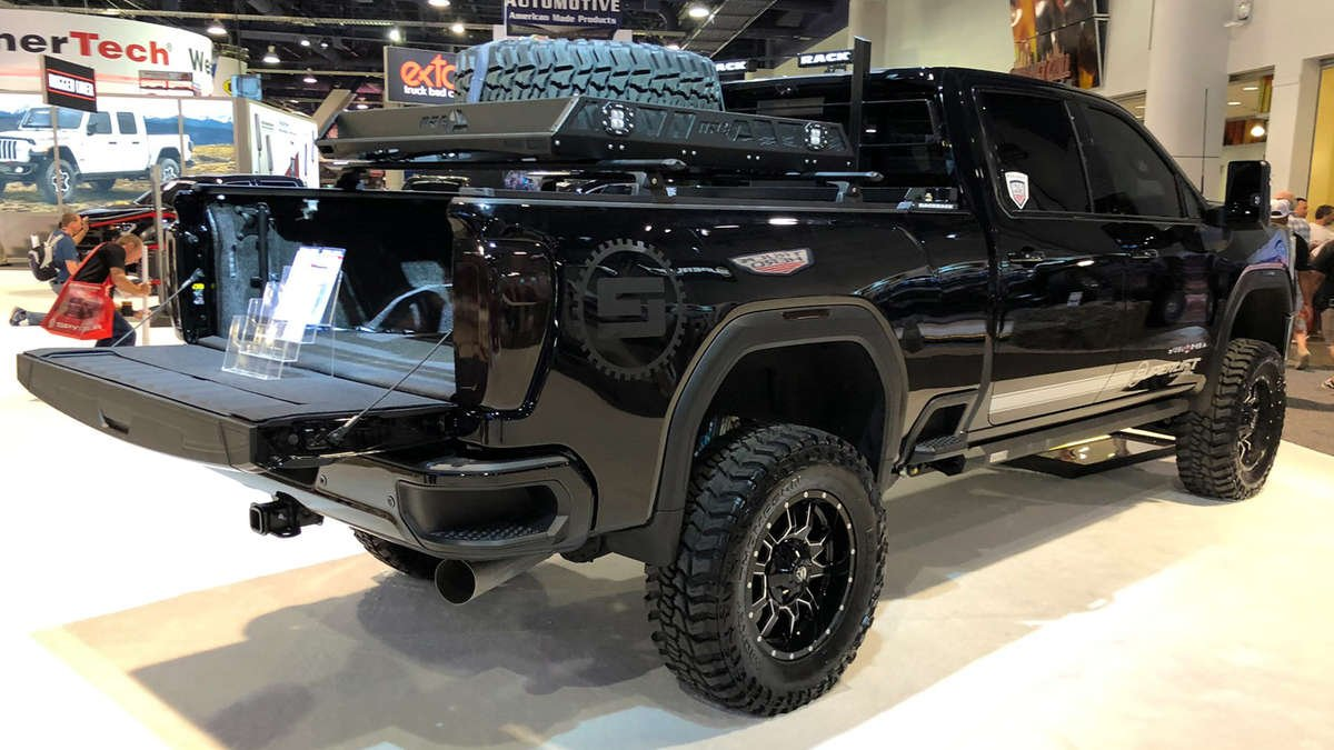Luxe, Luxe LightWrap, LightWrap, SEMA, SEMA Show, SEMA Show 2019, car tint, auto tint, taillight tint, tail light tint, headlight tint, head light tint, John Schurman, Luxe Auto Concepts, Voxel, Dodge, MOPAR, Vinyl Vixen, Justin Pate, Wrap Institute, Houdini Wraps, Metro Restyling, Fellers, Las Vegas, Car Show, Gloss-It, Glossit, Charger, Dodge Charger, Hellcat, Carbon Fiber, Wrap Glove, Wrapper Mapper, Car Wrap, Vinyl Wrap, Wrap, Wrap Artist, Wrapping